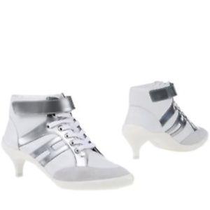 Hogan Grey/White Ankle Boot. Size 7